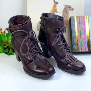Bella Vita lace up ankle boots